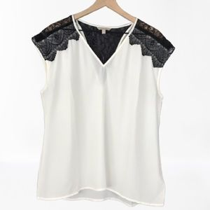 BANANA REPUBLIC sleeveless blouse w/ lace inserts